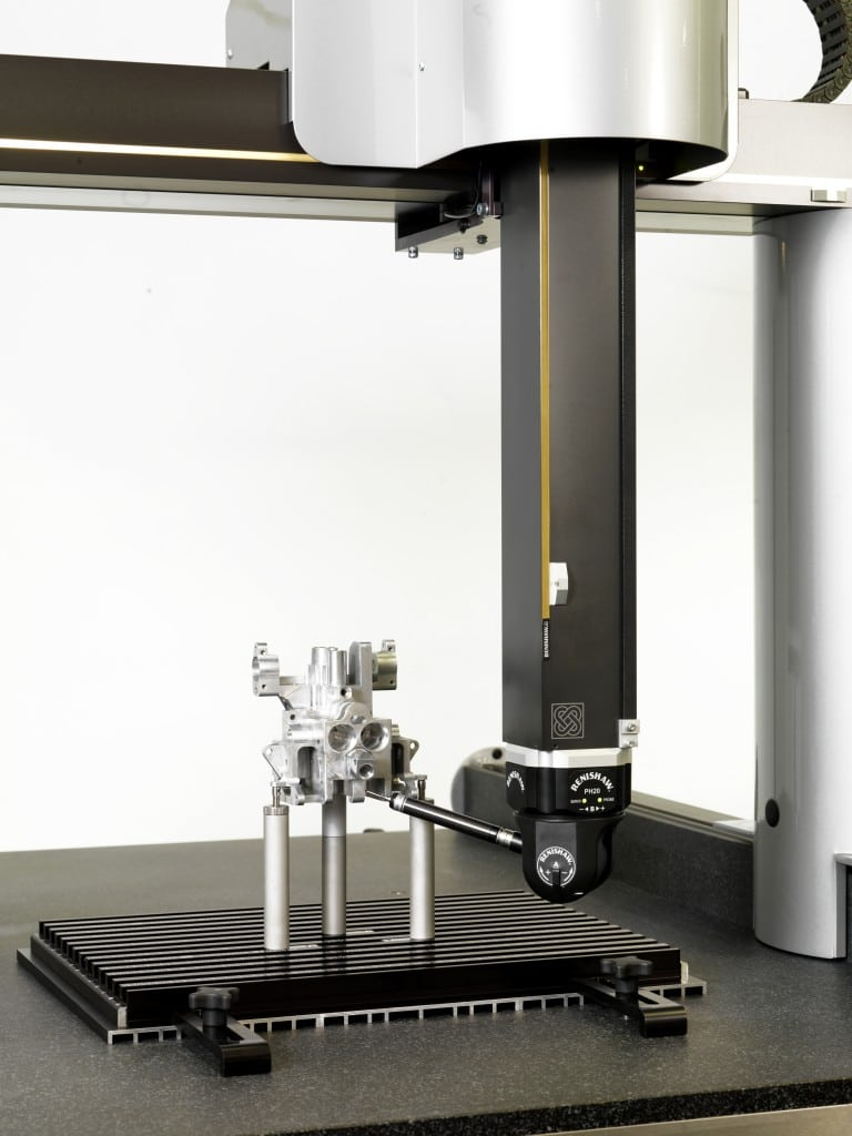 Machine de mesure tridimensionnelle Axiom too CN avec tète de mesure orientable Renishaw ®